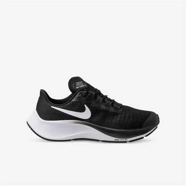 The iconic Nike Air Zoom Pegasus 37 returns with the all the comfort you need to go the distance. Zoom...