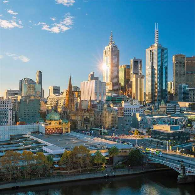 Embrace the beauty and charm of Melbourne with an ultra-modern apartment escape at the sky-high AVANI...
