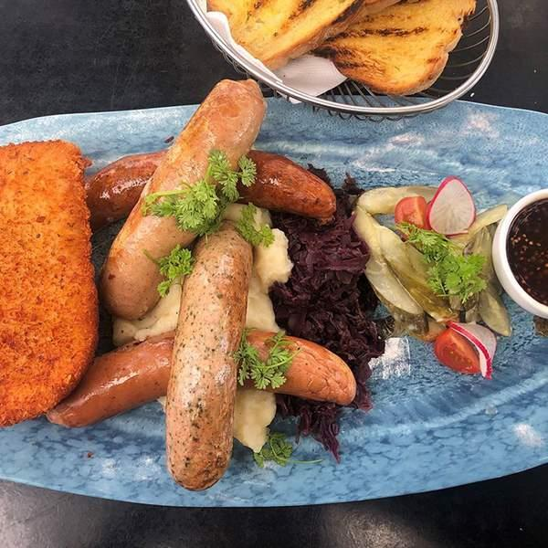 Rumbling tummies can be the wurst, that's why we're silencing those rumbles with today's satiating...