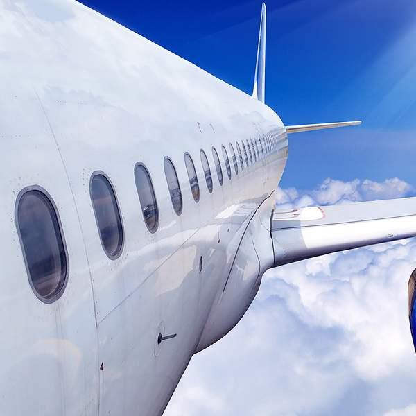 Settle in behind the controls of a real jet plane with 747 Flight Sensation in Malaga and choose your...