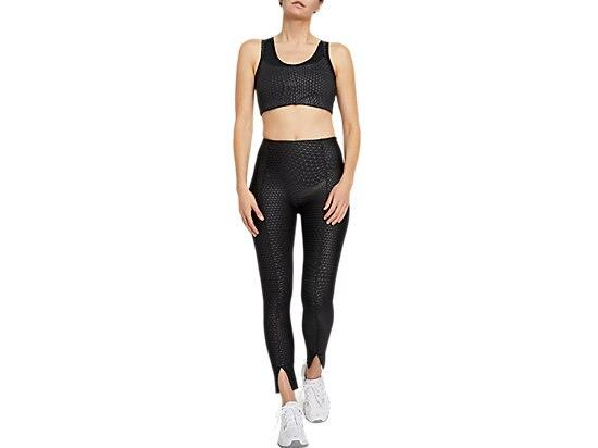 This LUXE TRAVELER BRA features supportive panelling and a moisture-wicking fabric. Additionally, it's...