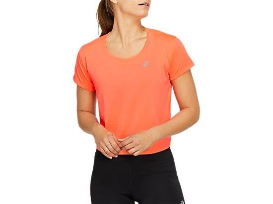 The RACE CROP SHORT SLEEVED TOP features mesh panelling along the back for improved airflow, while the...