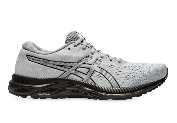 Sporting a clean silhouette, the ASICS GEL-Excite 7 is a great fuss-free for an everyday running shoe.
