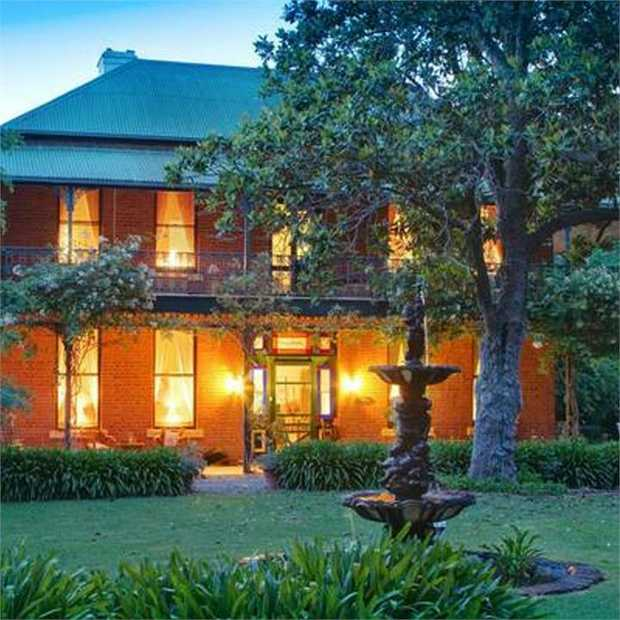 In the heart of Rutherglen wine region, Koendidda Country House offers a luxuriously charming escape in...