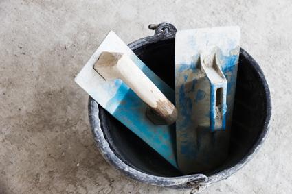 CB & G PLASTERING SERVICE     Specialising in Lathern Plaster Cracks  Victorian Cornices...