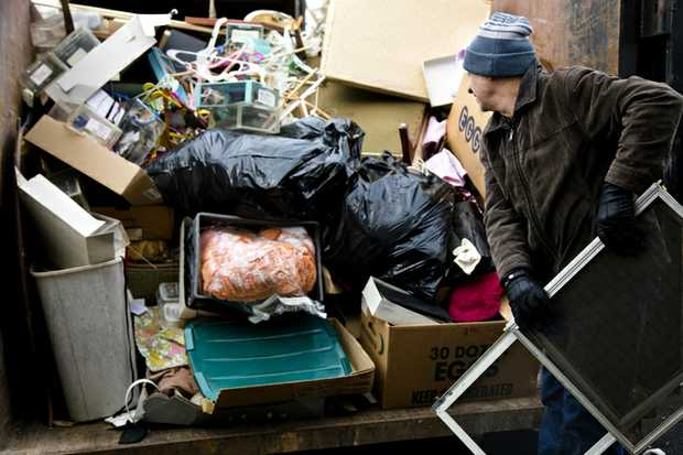 ABOUT THAT RUBBISH!!   Don't worry I'll load & dump it!   Pensioner Discount   33534030 or...