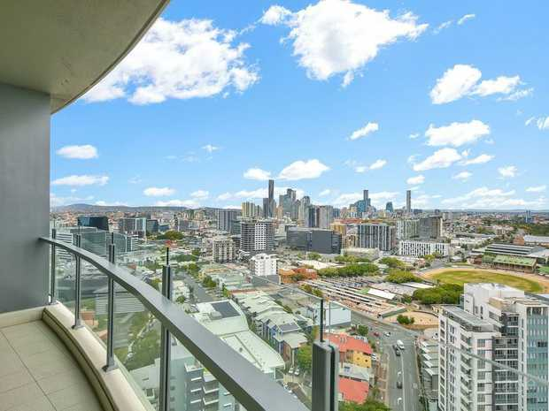 Modern 2 bedroom apartment   View: Saturday 8 August 1pm   Auction: Thursday 27 August   Contact...