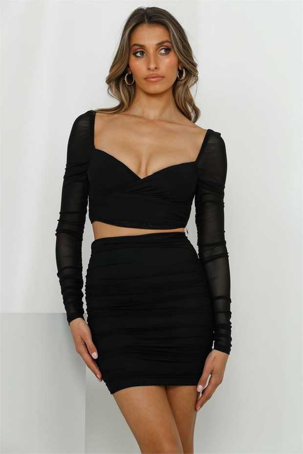 Length from shoulder to hem of size S: 34cm.