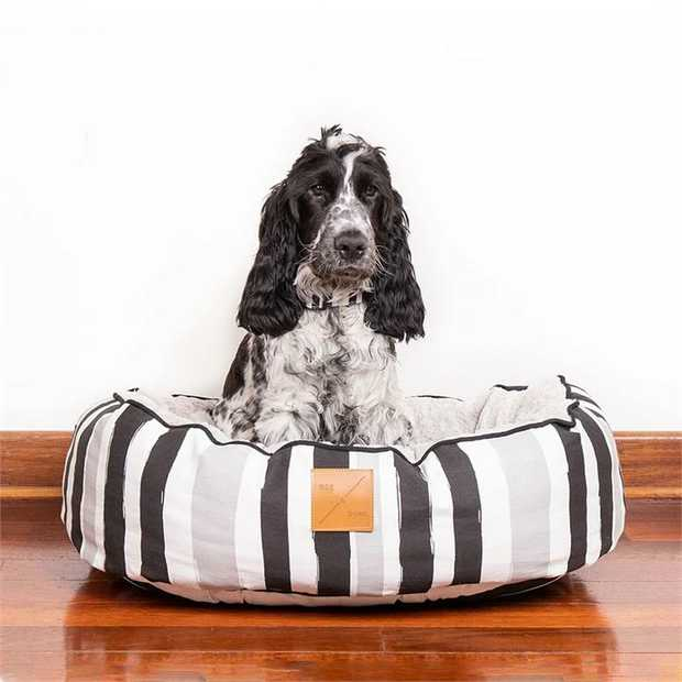 Mog & Bone 4 Seasons Reversible Dog Bed - Pebble Black Brush Stroke - Large
