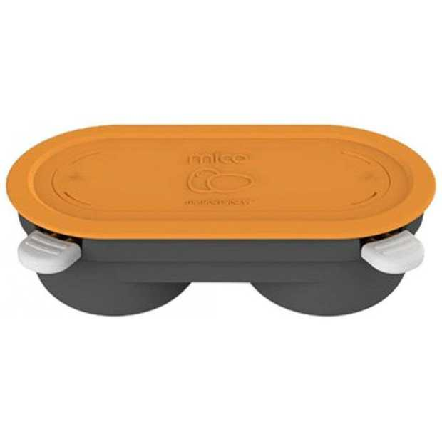 Cool-touch silicone lid and handles Easy to clean 2 egg pods  Material: Silicone