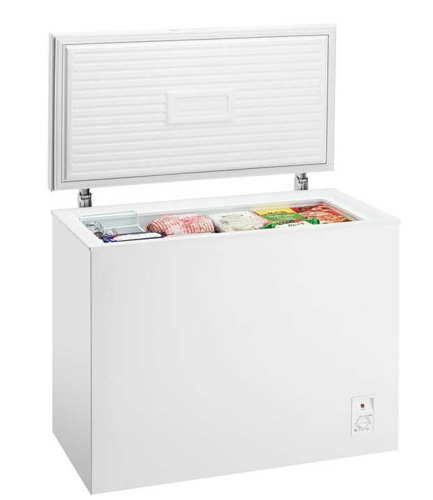 Spring loaded lid Defrost drain system Adjustable thermostat Sliding removable baskets Perfect for...