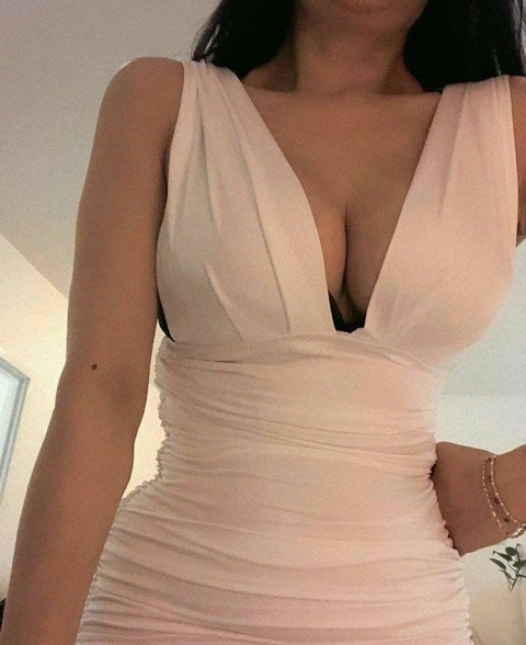 Linda Size 6 & Busty 