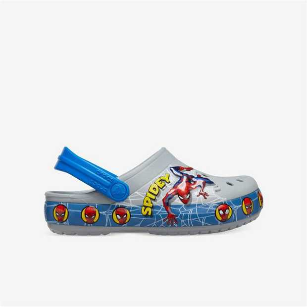 Spidey returns in vintage form on this new clog, thanks to graphics showing a variety of expressions...