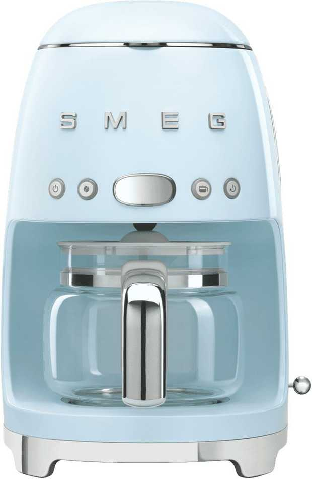 This Smeg coffee machine has a blue finish and a 1.2 litre capacity. You can serve up cups and cups of...