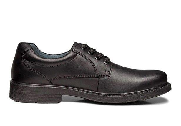 The Clarks Stanford is a classic low-cut senior boys' lace up school shoe