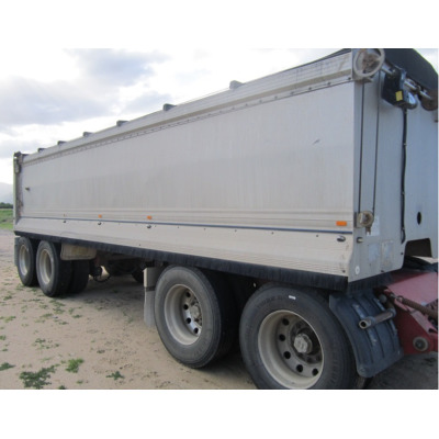 7.3m long, 1.3 high, drawbar 4m long  All new tyres May 2020.  Current Machinery April...