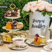 Grab someone special and treat yourselves to an indulgent High Tea with sparkling wine at Southbank...