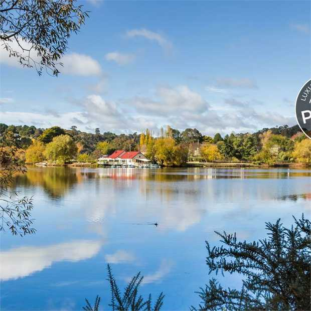 Discover the beautiful Victorian spa towns of Daylesford and Hepburn Springs and the surrounding...