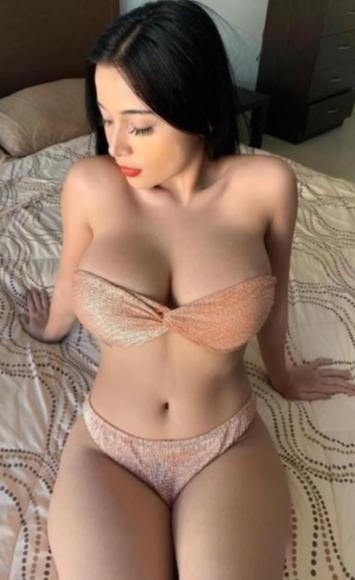 Playful  Attractive  Sexy  Hot  Stunning  20yo