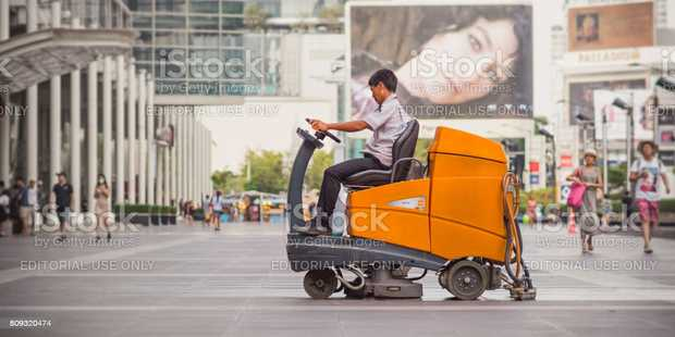 RIDE ON SWEEPER & SCRUBBER OPERATOR