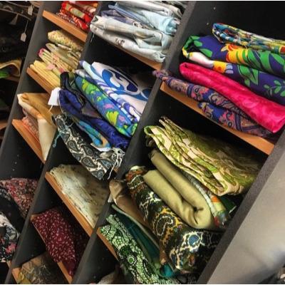 VINTAGE     linen tea towels  fabrics  pure wool blankets    ROCK N RUSTIC  Pat:...