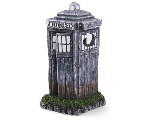 KAZOO POLICE BOX - MEDIUM'Nerd' up your tank with this fish tank ornament that we've been told is...
