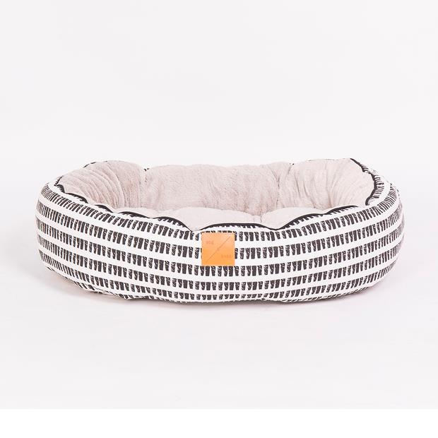 Mog And Bone 4 Seasons Reversible Bed Mosaic Black White X Large Pet: Dog Category: Dog Supplies  Size:...