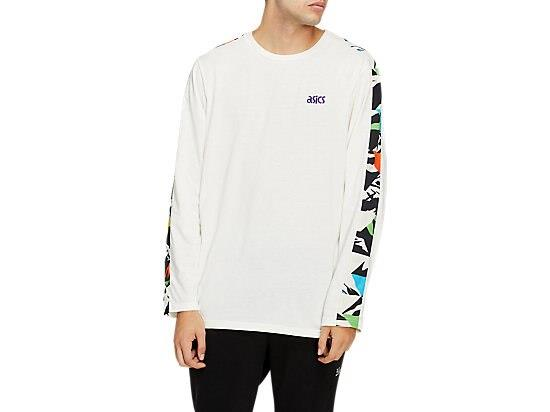 The JERSEY LONG SLEEVED TEE features a regular fit and a comfortable knit fabrics. Additionally, this...