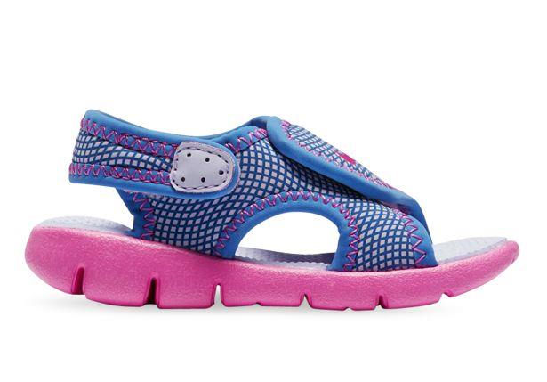 The Nike Sunray Adjust 4 is a comfortable, lightweight kids sandal built with easy adjustability for...