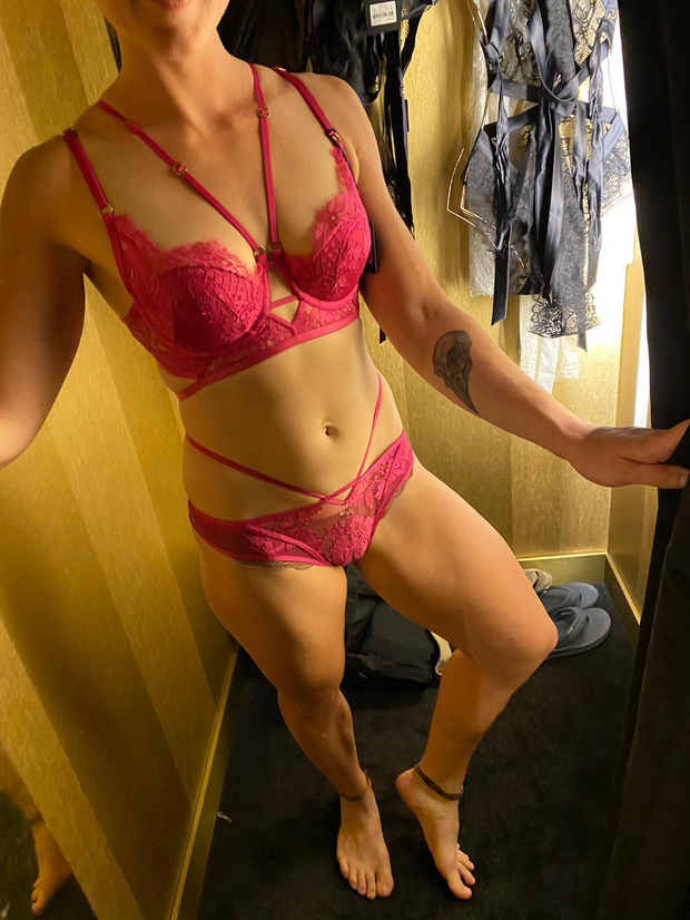 Sensual Body RubNicely tonedIn town for the weekendDiscreet