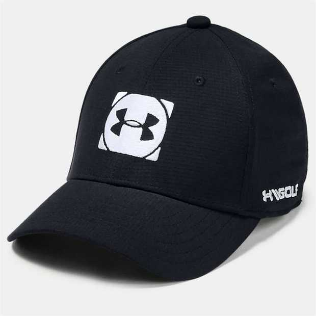 UA Classic Fit features a pre-curved visor & structured front panels that maintain shape with a low...