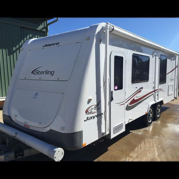 Jayco caravan, Sterling, full ensuite, electric bed, 24ft, 2011 washing machine, large shower, thetford...