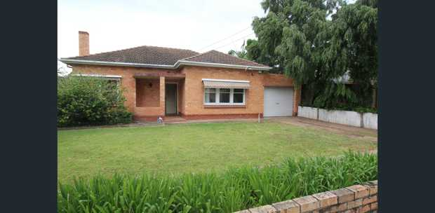 So much potential - renovate/extend/build! Allotment Area 668sqm.