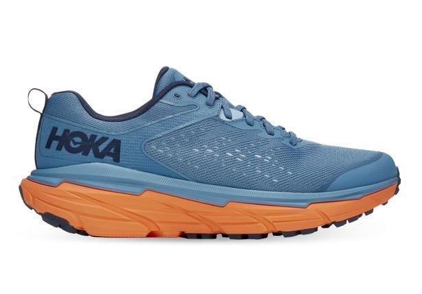 The Hoka one one Challenger ATR 6 is specifically enginerred to adapt to any terrain, taking you from...