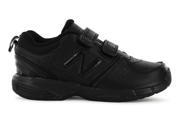 The New Balance Kids KV625 is a black based kids' cross training shoe, perfect for school regulations.