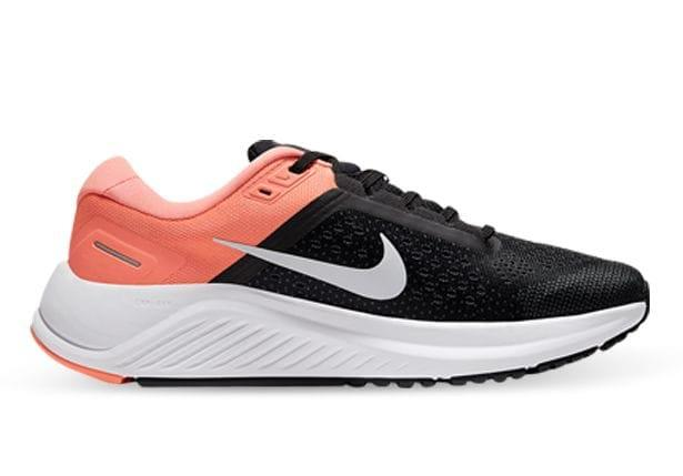 The newest addition to the Nike Air Zoom Structure series has returned. The Structure 23 is built for...