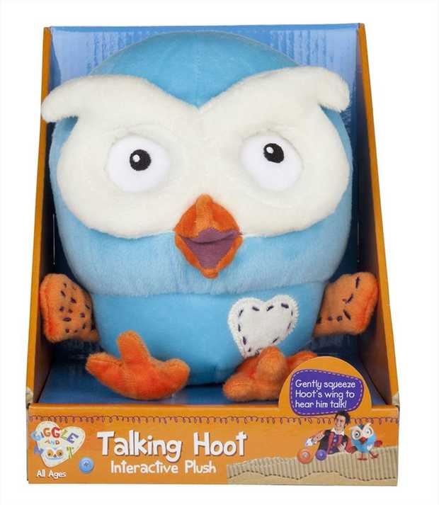 Gently squeeze Hoot's wing to hear him say six 'hootacular' phrases that children love from...