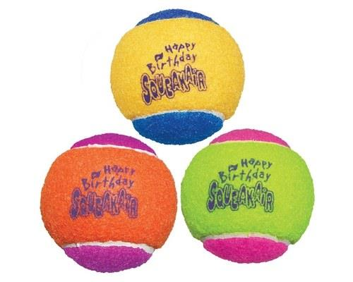 KONG SQUEAKAIR BIRTHDAY BALL 3 PACK  The KONG SqueakAir Ball combines two classic dog toys ...