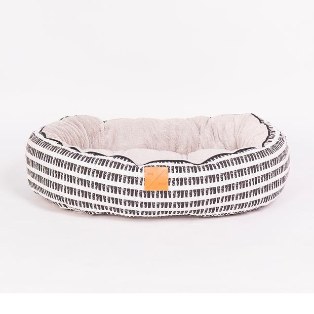 Mog And Bone 4 Seasons Reversible Bed Mosaic Black White Medium Pet: Dog Category: Dog Supplies  Size:...