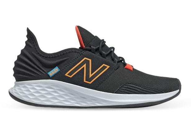 A modern silhouette that delivers support from all angles. The New Balance Fresh Foam Roav running shoe...