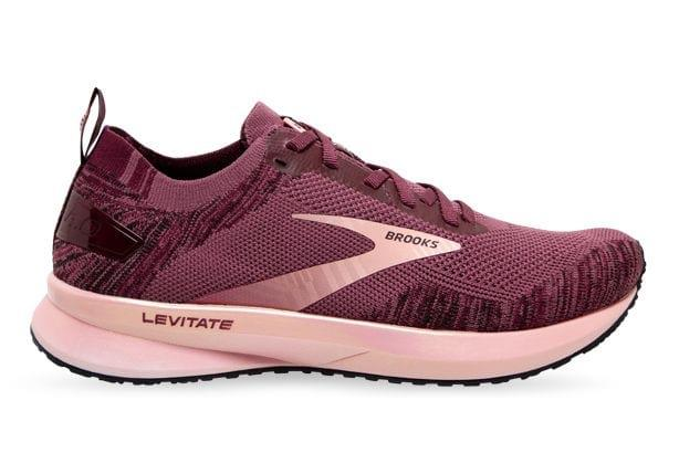 The Brooks Levitate 4 delivers road-running specific technologies to energise your performance. Now 20%...