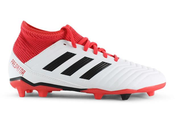 These junior Adidas football boots have a PRIMEMESH upper that delivers precise control with zero...