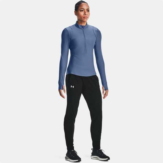 Lightweight, stretchy, soft body fabric for total comfort Woven panel across chest & for added...