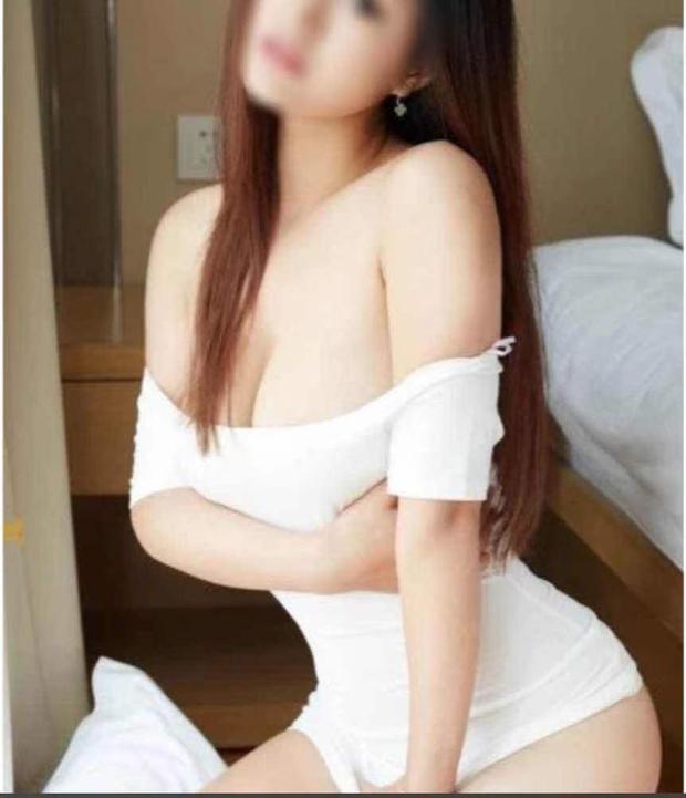 Super SexySingapore GirlReal PicsSuper HotBody RubNo RushIn/Out Call