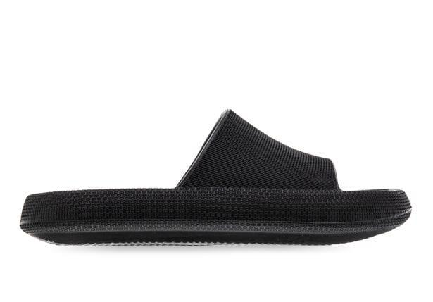 Take it back to basics with the New Guard Ronny Slide for men. This versatile, on-trend staple features...