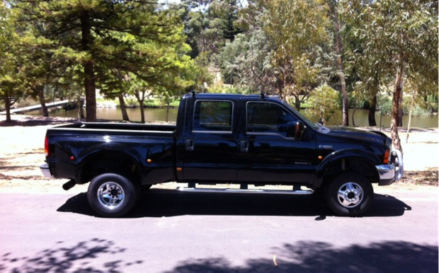 4spd automatic,V8 Diesel,7.3l,Banks hi flow full exhaust,208000kms,New diff and torque converter,Front...