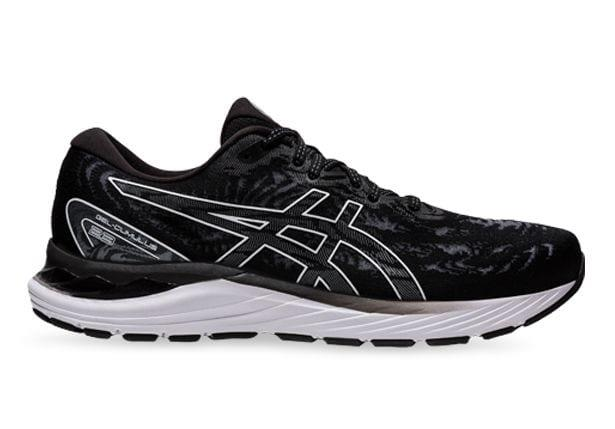 The ASICS Gel Cumulus 23 combines lightweight performance technologies to provide neutral runners with...