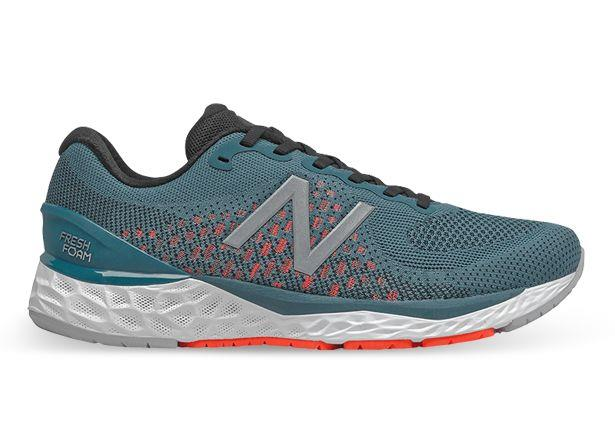 The Men's New Balance 880 V10 delivers an unbeatable cushioned ride with New Balance's greatest...