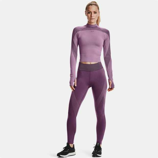 As your body emits energy, the mineral-infused fabric absorbs & reflects it back, improving endurance...