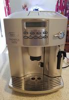 Delonghi Magnifica Rapid Cappuccino automatic coffee machine. Comes with instruction manual, milk jug...